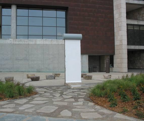 berlin wall cincinnati ohio national underground railroad freedom center
