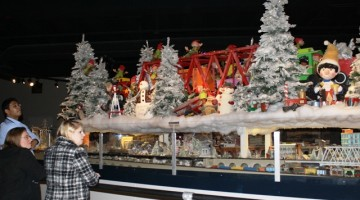cincinnati museum center gets duke trains for holiday train exhibit