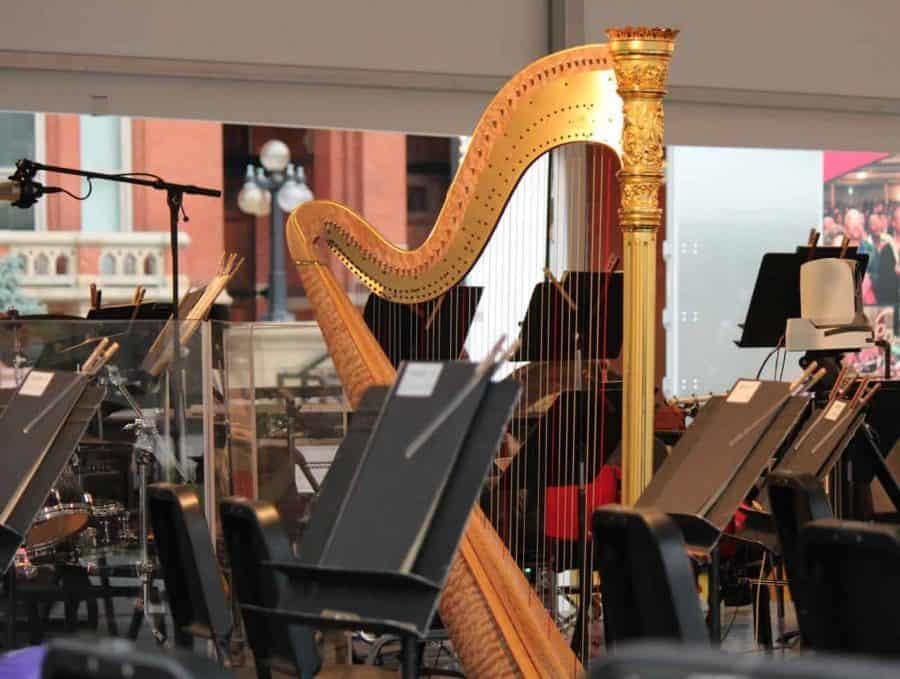 The Cincinnati Symphony Orchestra performs