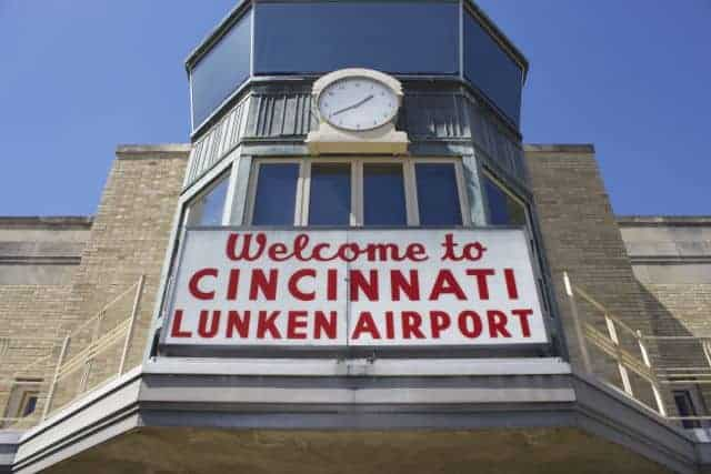 Welcome to Lunken Airport sign