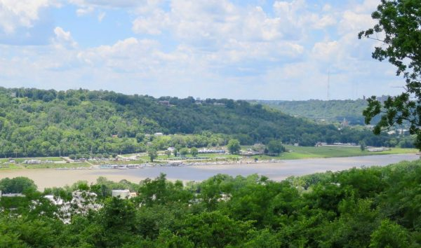 Ohio River view at Alms Park Overlook