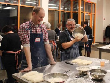 Cooking classes in Cincinnati with Tablespoon Cooking Co