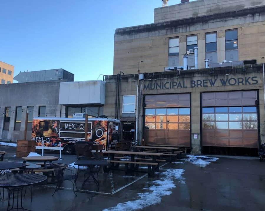 Food trucks at Municipal Brew Works