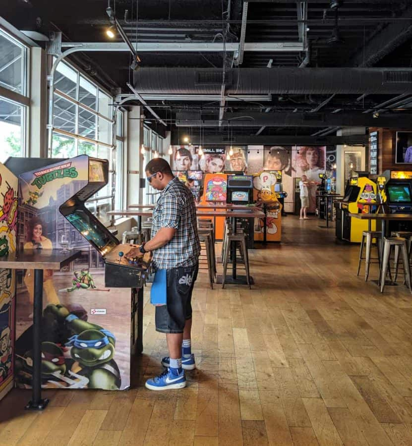 Arcade Games at 16-Bit Bar