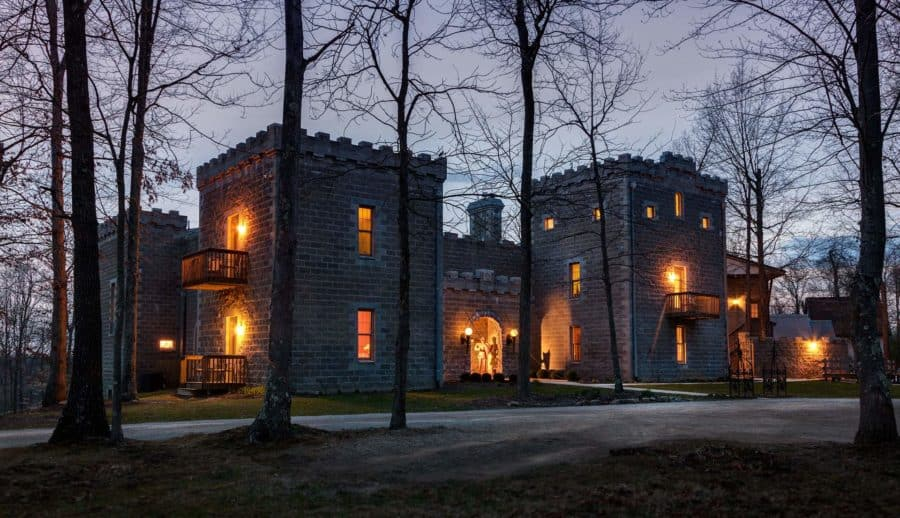 Ravenwood Castle, the perfect spot for romantic weekend getaways