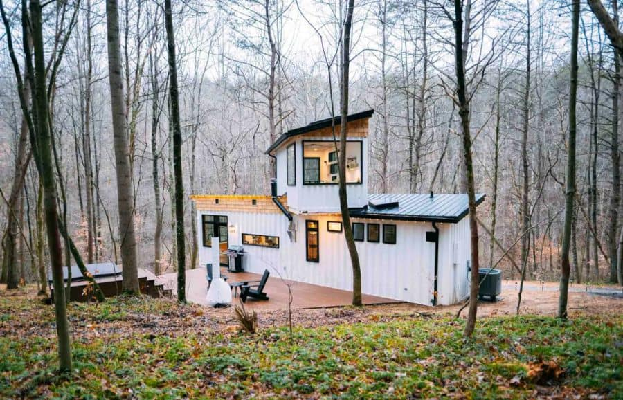 Tiny house available as an Airbnb in Hocking Hills