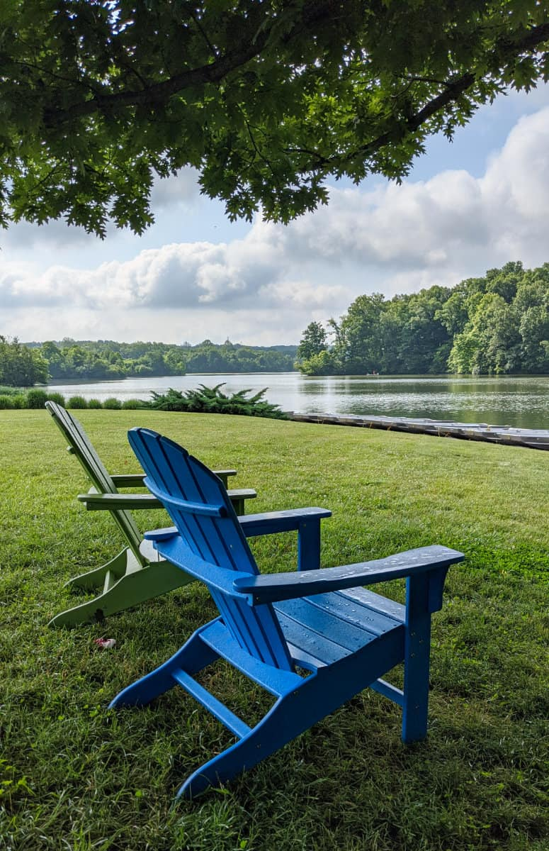 chairs overlooking the lake at Miami Whitewater Forest