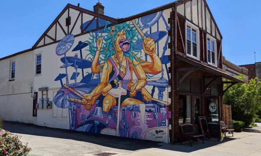 Golden Ethos mural in Hamilton Ohio
